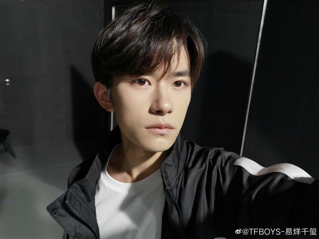 nova-5-pro-selfie-sample