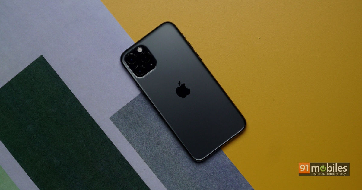 iPhone 12 goes 5G